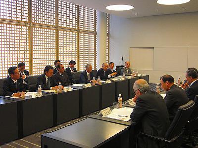 【09.11.26】一日中小企業庁で中曽根代表理事が 憲章制定を要望