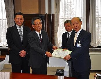 中小企業振興基本条例制定で県に要望書